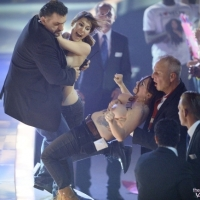 Photos: Girls flash boobs at Heidi Klum during the final show of Germany's next Top Model