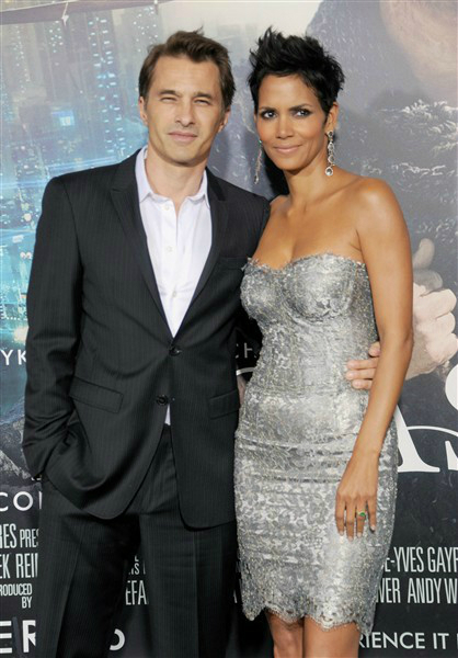 Halle Berry and Olivier Martinez attend the Los Angeles premiere of Cloud Atlas at Grauman's Chinese Theatre in Hollywood, Calif., on Oct. 24, 2012